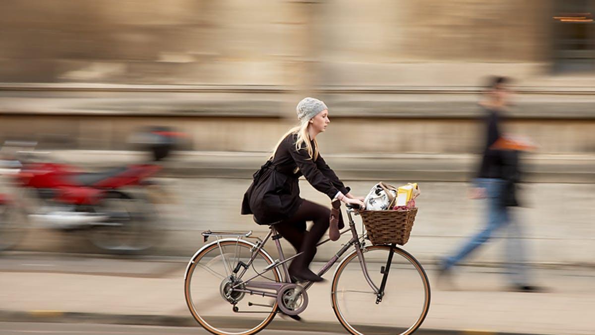 Đi xe đạp - thể dục giảm cân giảm mỡ bụng