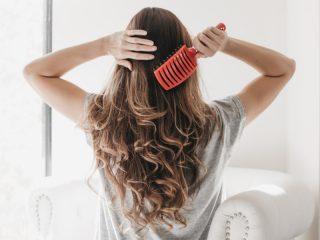 Cách chăm sóc tóc tại nhà: 10 lời khuyên từ các chuyên gia bạn không nên bỏ qua