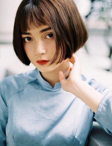 Tóc để mái ngố trên lông mày - Kiểu tóc ngắn cho mặt tròn cực đáng yêu