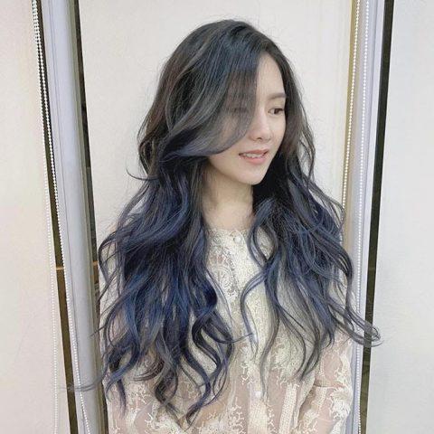 Nhuộm tóc màu xanh khói ombre