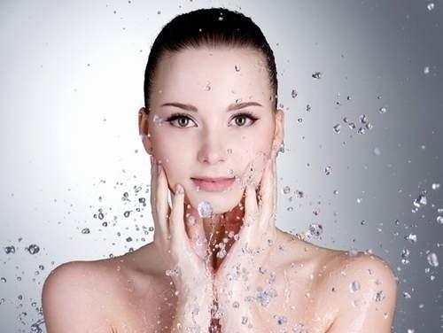 Sữa tắm dưỡng ẩm cho da khô có thành phần tự nhiên