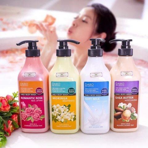 Ưu điểm của sữa tắm dưỡng ẩm trắng da cho da khô