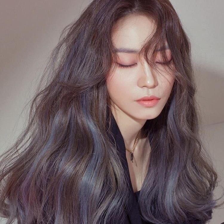 Tóc highlight màu xanh đen