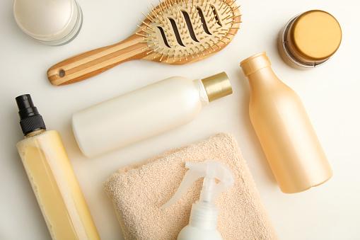 Sử dụng các sản phẩm làm sạch tóc nhẹ nhàng