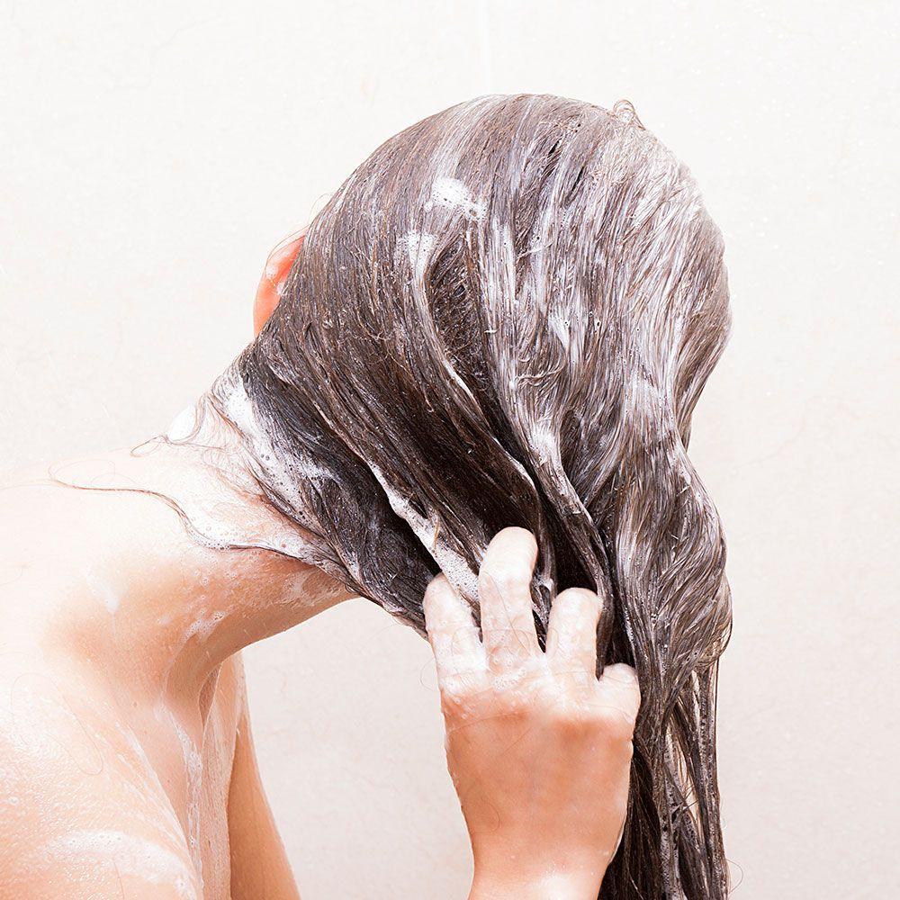 Sử dụng sản phẩm có kết cấu mỏng, nhẹ cho tóc bết