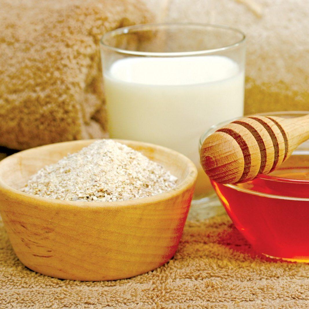 Tẩy tế bào chết tự nhiên bằng bột ngũ cốc