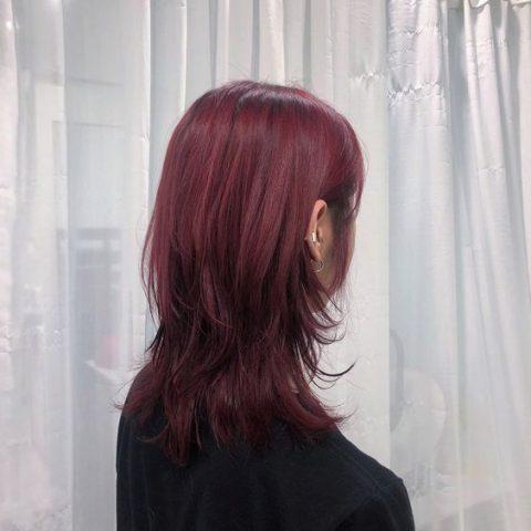 Tóc layer nữ ngắn nhuộm màu