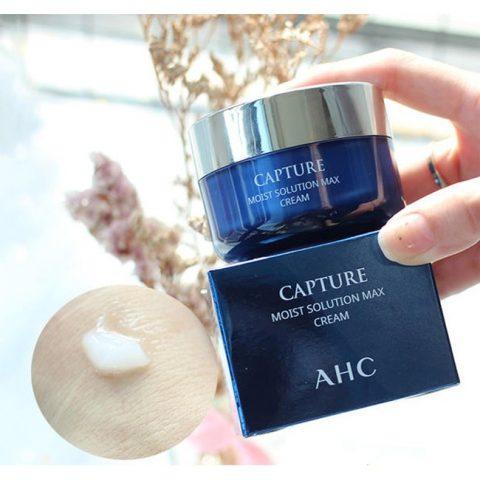 Kem dưỡng ẩm cho da dầu AHC Capture Moist Solution Max Cream màu xanh
