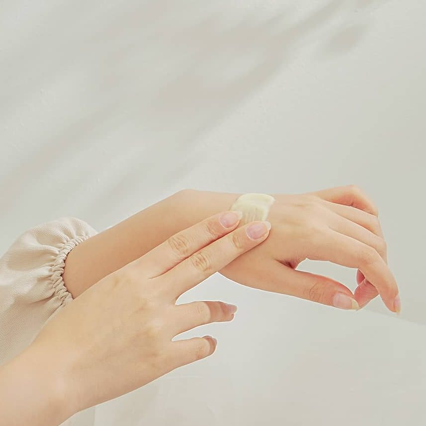 các sản phẩm chăm sóc da sau khi nặn mụn tại nhà