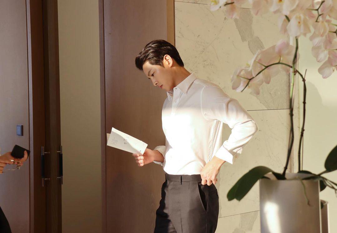 Song Joong Ki trong Chaebol Family's Youngest Son