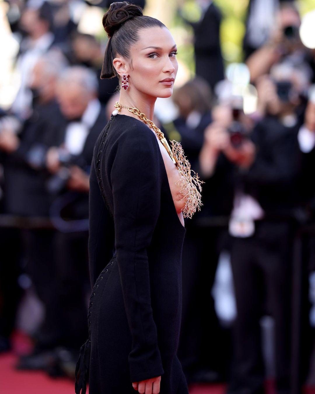 Tâm điểm thảm đỏ LHP Cannes Bella Hadid