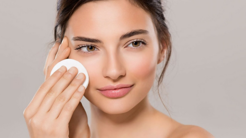 Tẩy tế bào chế hóa học là một trong các bước Skincare sáng và tối nâng cao