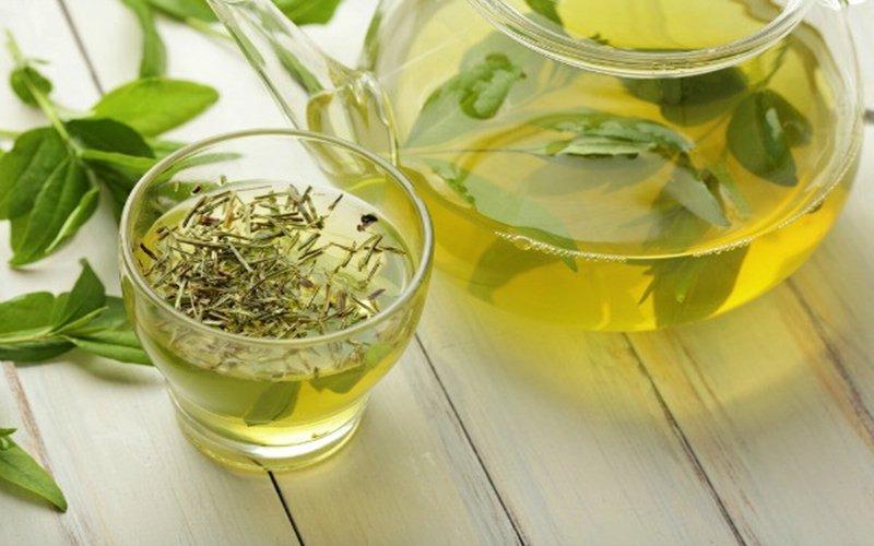 Cách Trị Mùi Mồ Hôi Cơ Thể từ trà xanh