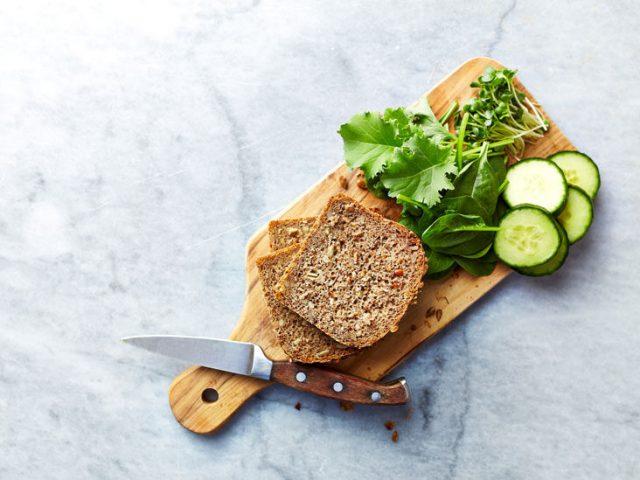 Thực đơn ngày 5 với bánh mì đen giảm cân