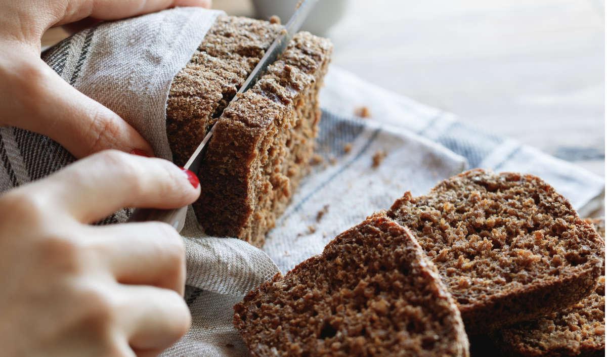 Hàm lượng calo của bánh mì đen giảm cân