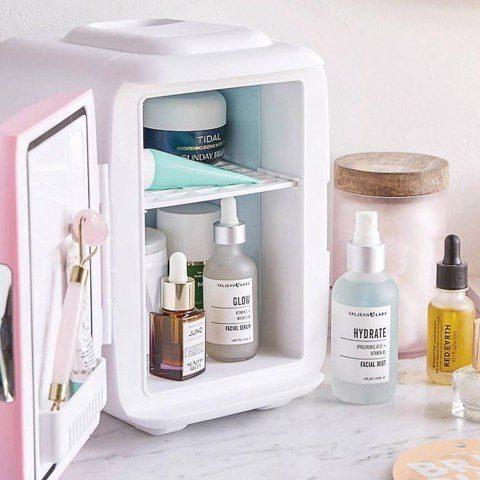 Có nên bảo quản kem dưỡng ẩm da mặt trong tủ lạnh?