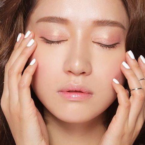 Đặc điểm của da dầu nhờn là gì