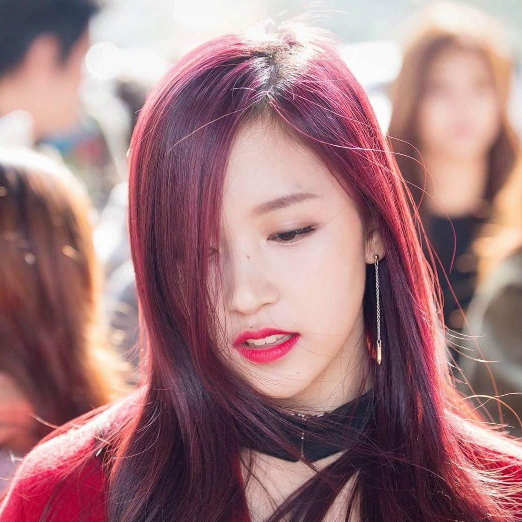 Tóc màu đỏ tím