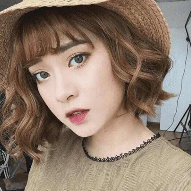 Kiểu tóc ngắn dễ thương uốn lọn Hàn Quốc