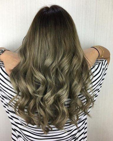 Màu tóc nâu rêu đẹp ấn tượng