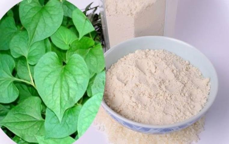 Trị mụn bằng rau diếp cá và bột cám gạo