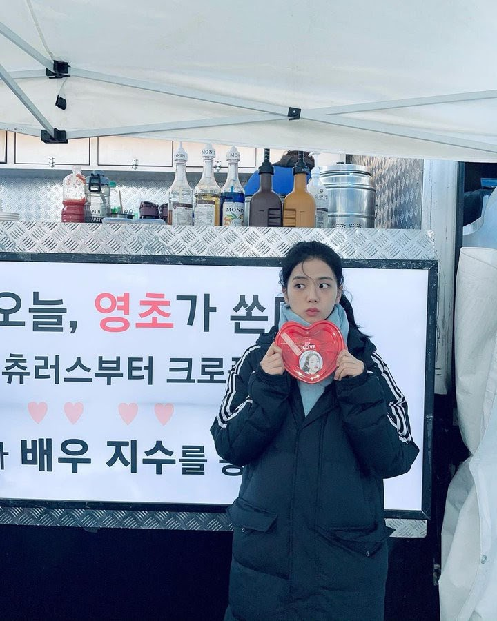 ảnh Jisoo trong hậu trường Snowdrop