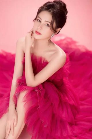 Lương Thu Trang - diễn viên sành điệu nhất trong phim Hướng Dương Ngược Nắng