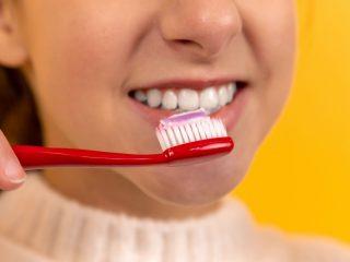 Bật mí top 5 kem đánh răng trị hôi miệng trắng răng hiệu quả nhất 2021