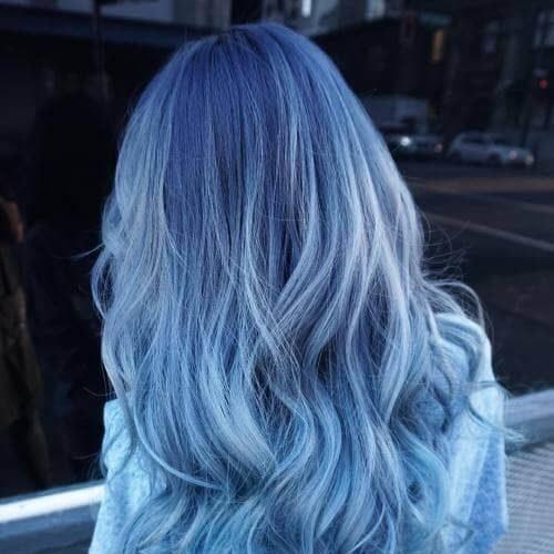 Màu tóc xanh khói sáng siêu cá tính