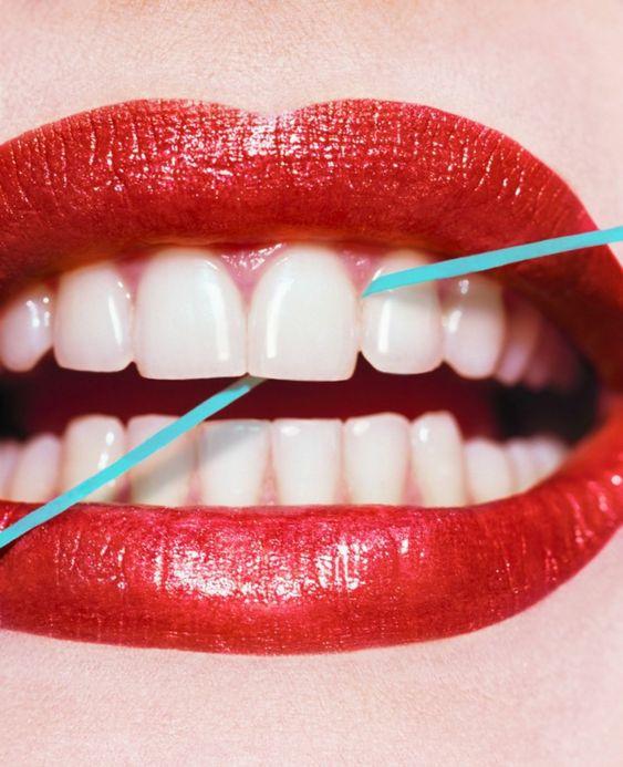 chăm sóc răng miệng đúng cách bằng chỉ nha khoa
