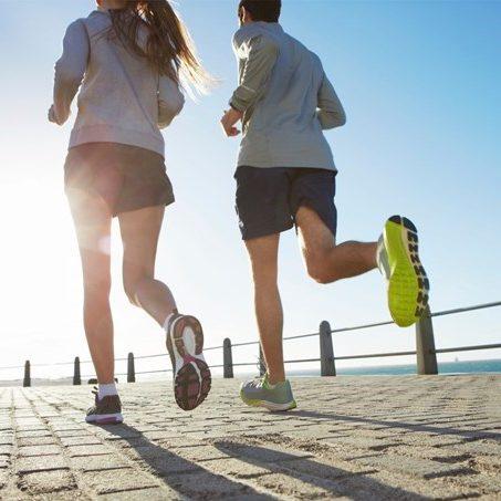 Nên tập thể dục giảm cân vào lúc sáng sớm