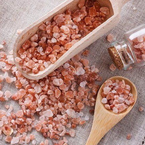 Cách trị mụn thâm bằng muối hồng