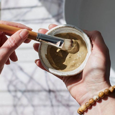 Kaolin trong mỹ phẩm là gì? Đất sét Kaolin có tác dụng gì đối với làn da bạn?