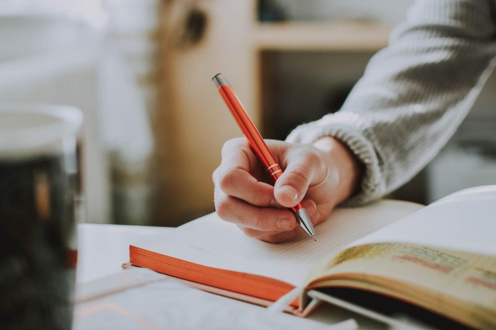 thay đổi lối sống tích cực bằng cách viết ra những suy nghĩ