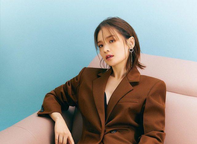 """Chiêm ngưỡng nhan sắc Jeon Mi Do – """"Đóa hoa nở muộn"""" trong phim Hospital Playlist phần 2"""