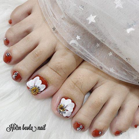 Mẫu móng chân đắp hoa bột nổi