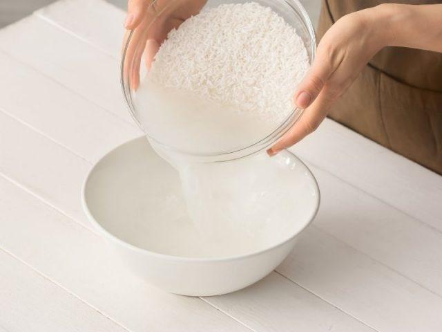 Cách làm trắng răng bằng nước vo gạo có thực sự hiệu quả?