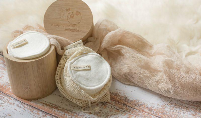 Làm đẹp tiết kiệm mùa Covid: Cách làm bông tẩy trang tại nhà bằng vải