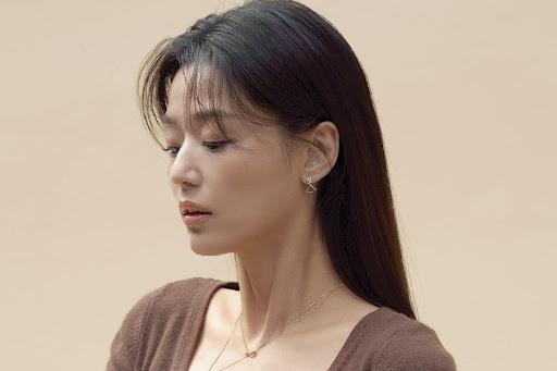 """Màn tái xuất """"đỉnh cao"""" của """"Mợ chảnh"""" Jeon Ji Hyun trong Kingdom phần 3"""