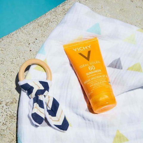 Kem chống nắng vật lý cho da mụn Vichy Idéal Soleil Velvety Cream SPF 50+