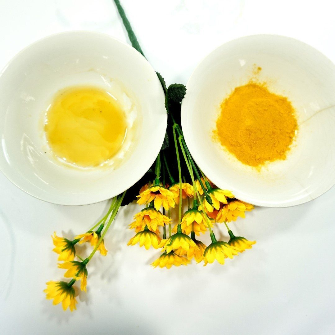 mặt nạ trứng gà và nghệ trị mụn cho da dầu
