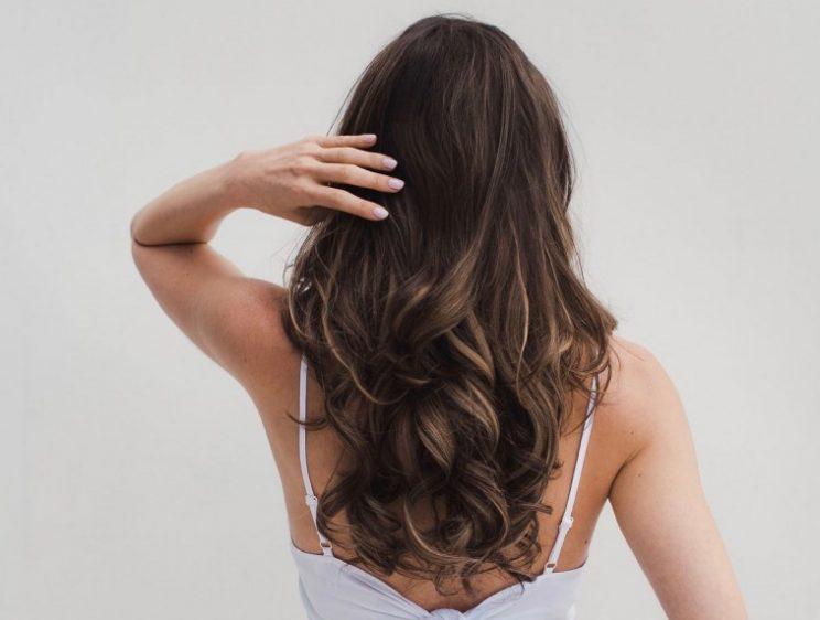 bổ sung các chất nuôi dưỡng tóc và da đầu chắc khỏe