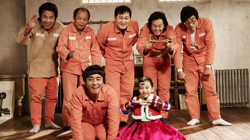 Phim lẻ Hàn Quốc hay nhất - Điều kỳ diệu ở phòng giam số 7 - Miracle in cell no 7