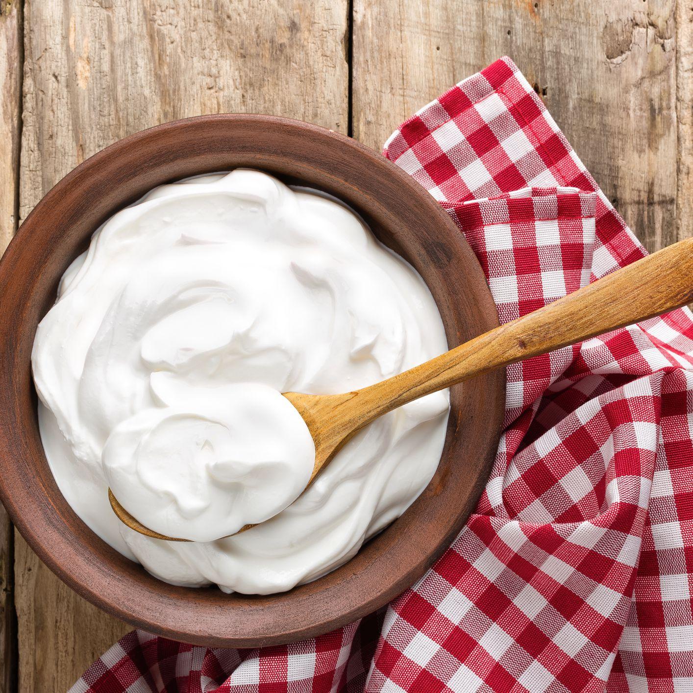 cách làm sạch lưỡi bị trắng cho người lớn bằng sữa chua
