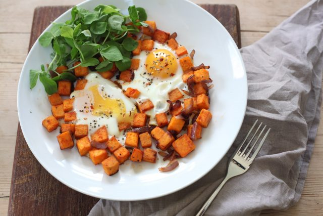 Gợi ý 10 thực đơn giảm cân với khoai lang và trứng trong 7 ngày