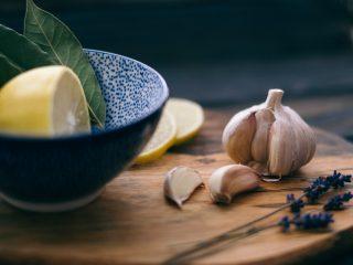 Cách trị hôi miệng từ bên trong, NÊN và KHÔNG nên ăn gì?