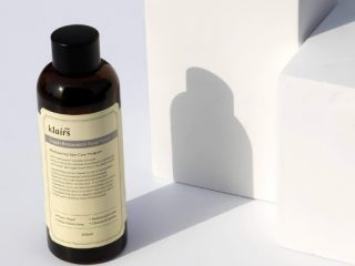 Top 12 toner trị mụn se khít lỗ chân lông tốt nhất cho từng loại da
