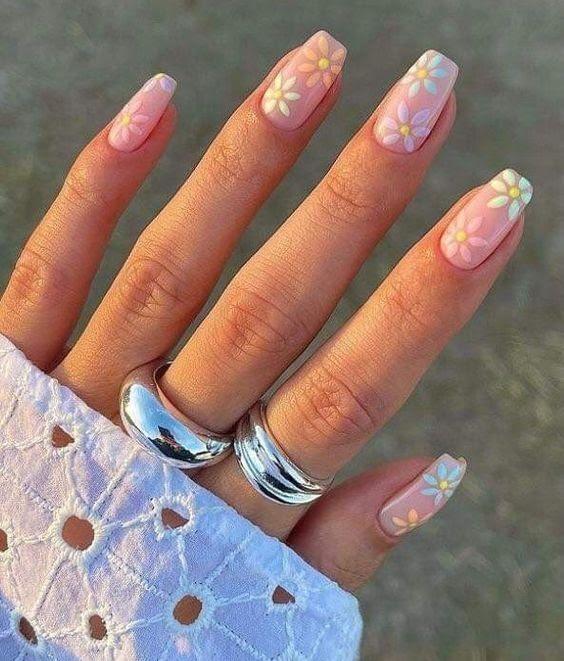mẫu móng tay đẹp nhẹ nhàng