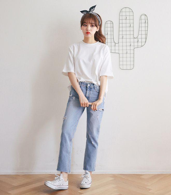 Image result for áo phông quần jean