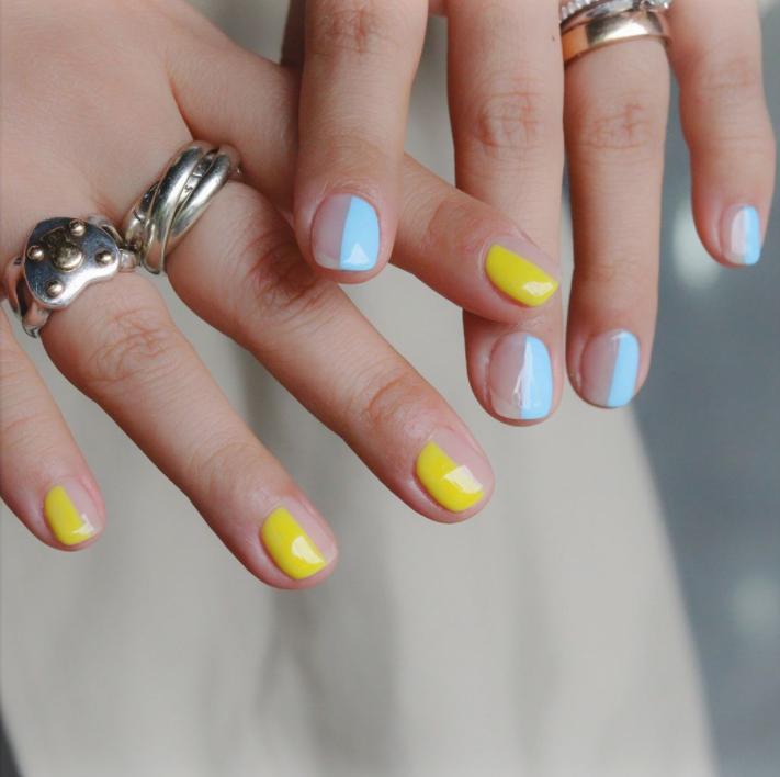 Mẫu nail Half-and-Half nhẹ nhàng